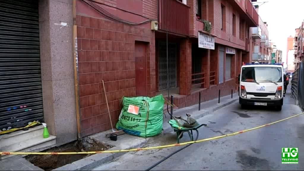 Desallotgen un edifici per una fuita de gas al Carmel
